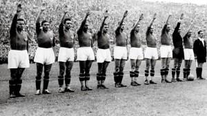 Con vestimenta fascista en el Mundial de 1938