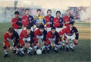 Equipazo de Colón con el Loco. Este año vuelve a la B en Argentina.