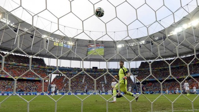 Inolvidable gol de Robin Van Persie a España.