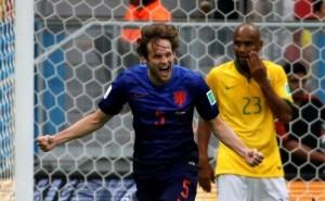 Blind se sumó a la lista de jugadores que le hicieron un gol a Brasil en este Mundial.