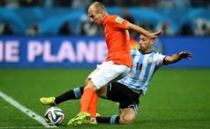 Mascherano y la salvada que valió más que un gol y el pase de Argentina a la fina.