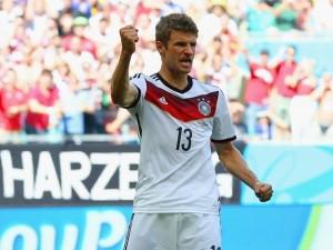 El magnífico Müller. Letal definidor que vimos en Brasil.