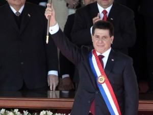 De levantar copas con Libertad, a levantar la banda paraguaya.