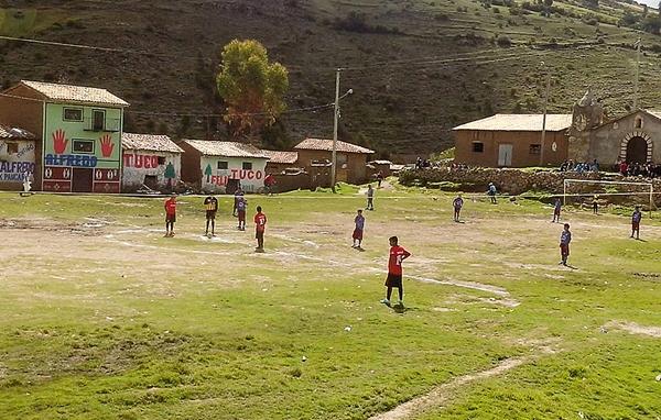 La Copa Perú se juega en una plaza, sin problemas.