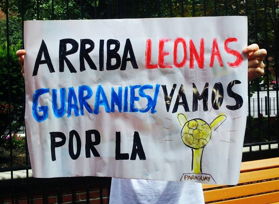 El cartel para apoyar a las paraguayas.