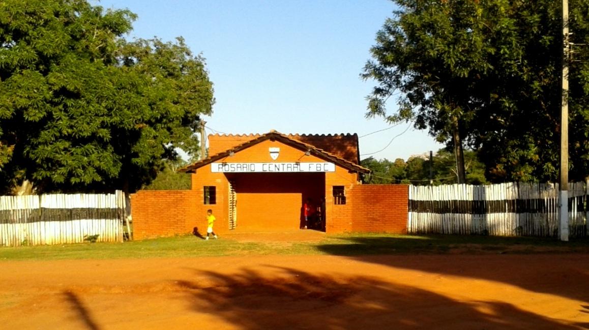 Fachada del club Rosario Central, clásico rival del Mariscal.