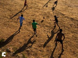 No solamente practicar y ser bueno en el deporte, sino desarrollar todos los valores que se transmiten a través del fútbol. Compañerismo, disciplina, trabajo en equipo, responsabilidad, etc.