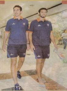Danilo, justo con Diego, y la camiseta de Cerro.