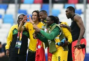 Cavani reparando relaciones con los jamaiquinos