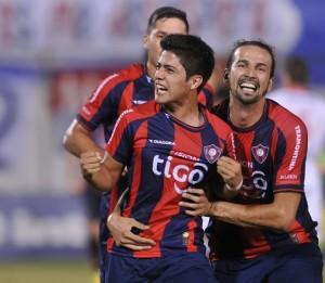 Díaz, gritando a puro pulmón su primer gol en Primera. Fue contra Nacional, Fecha 10 del Clausura 2014.